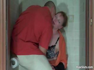 muscled bodybuilder grabs poor milf part8