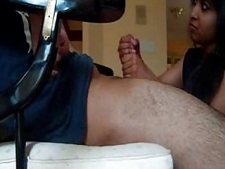 indian wife gives great tugjob
