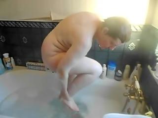 amateur xxx of my cougar bathing