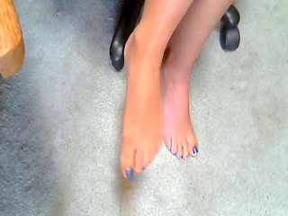 hot lady and her hawt feet 6
