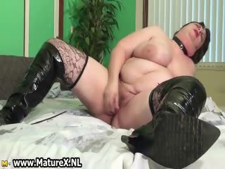 old breasty mature woman just cant receive