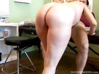 sexy blonde mother i heidi enjoys a facial