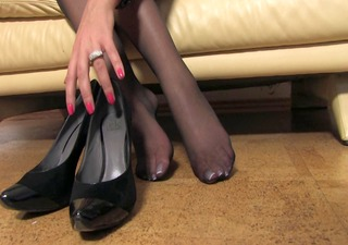 valuable woman nice nylonfeet 4