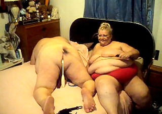 slave and me doing a cam show who wish to joine