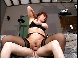hot redhead d like to fuck with big wobblers