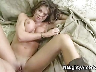 tempting hot momma hunter bryce receives a sexy
