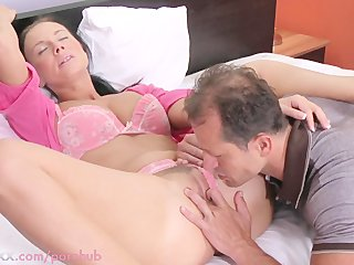 mamma hd busty housewife needs her cookie licked