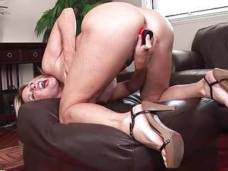 nasty d like to fuck bitch masturbates in red