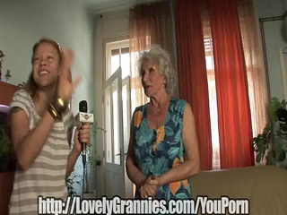 old granny gets her cum-hole stuffed
