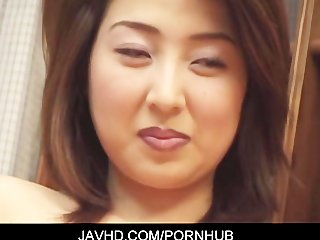 asain hawt milf goes naked for some sexy solo act