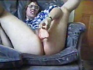 milf wit large ass goes insane wit dildo..