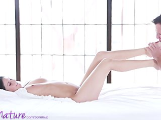 puremature young mama gets creampie