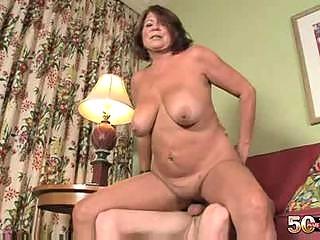 1011 yo older granny suzie wood shaved vagina