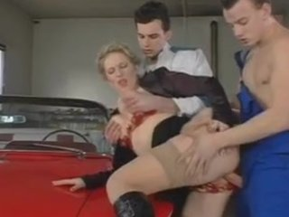 zuzanna - milf bosse screwed by young boys