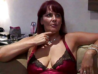 curvy milf escort squirts for punter