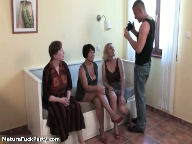 wicked housewive acquires her milk shakes rubbed