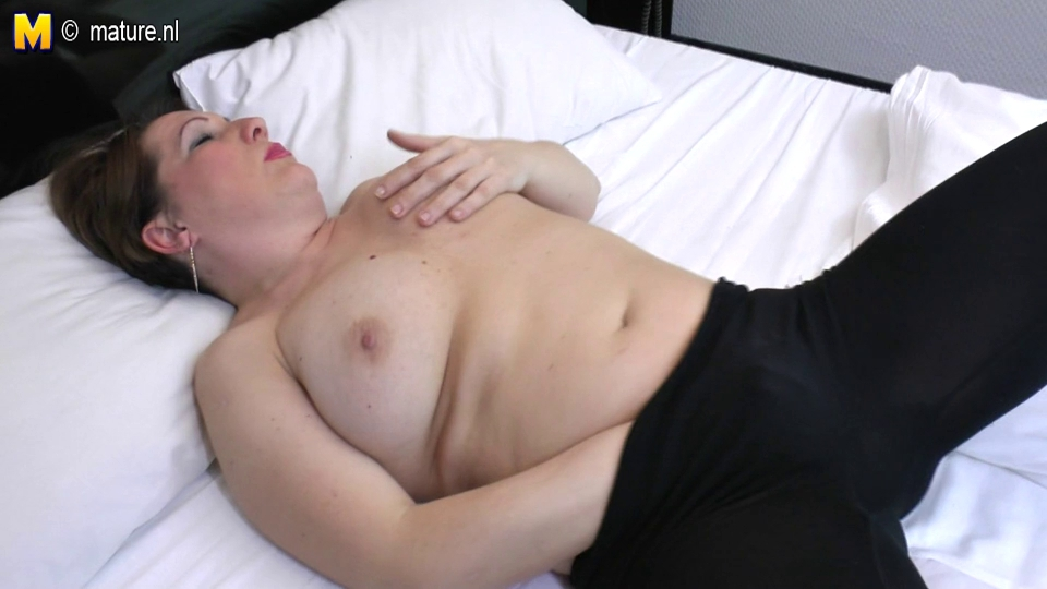 natural mature housewife t live without to get