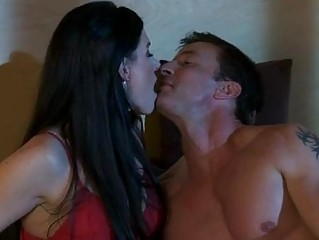 dark haired milf in red sexy lingerie does 911 in